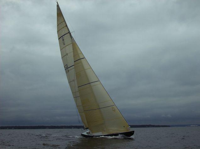 Victory '83 enjoying perfect twelve metre conditions!