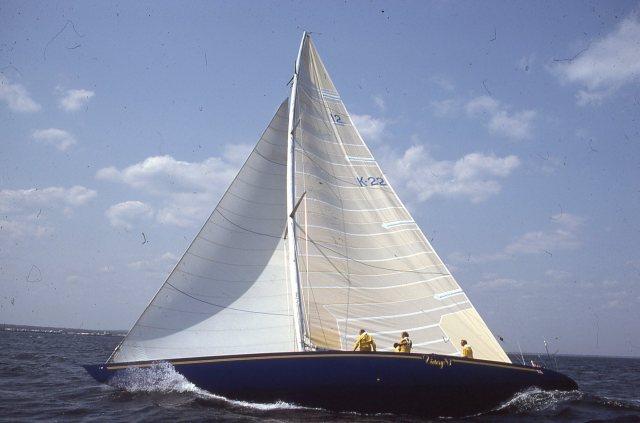 Victory '83 Port Tack