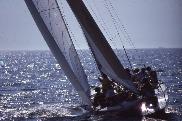 Victory '83 Headed Upwind