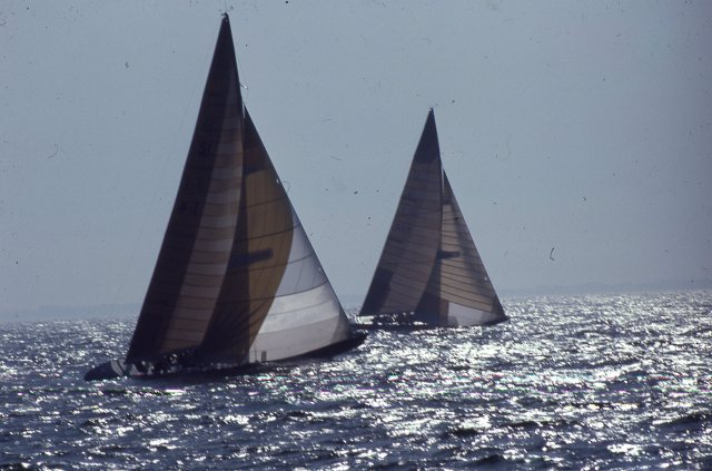 Victory Leading Azzurra - Challenger Trials 1983